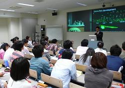 台大與日本京都大學兩校修課師生於京都大學聯合上課情形
